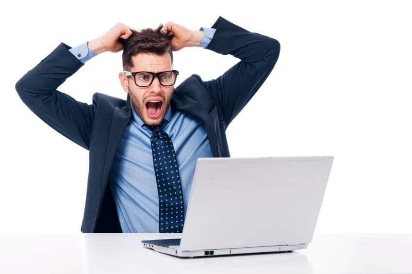 4 Social Media Mistakes Working Students Should Avoid