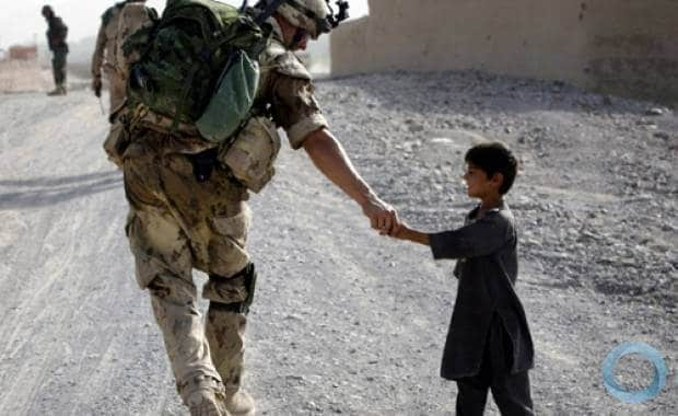 canadian soldiers with kids