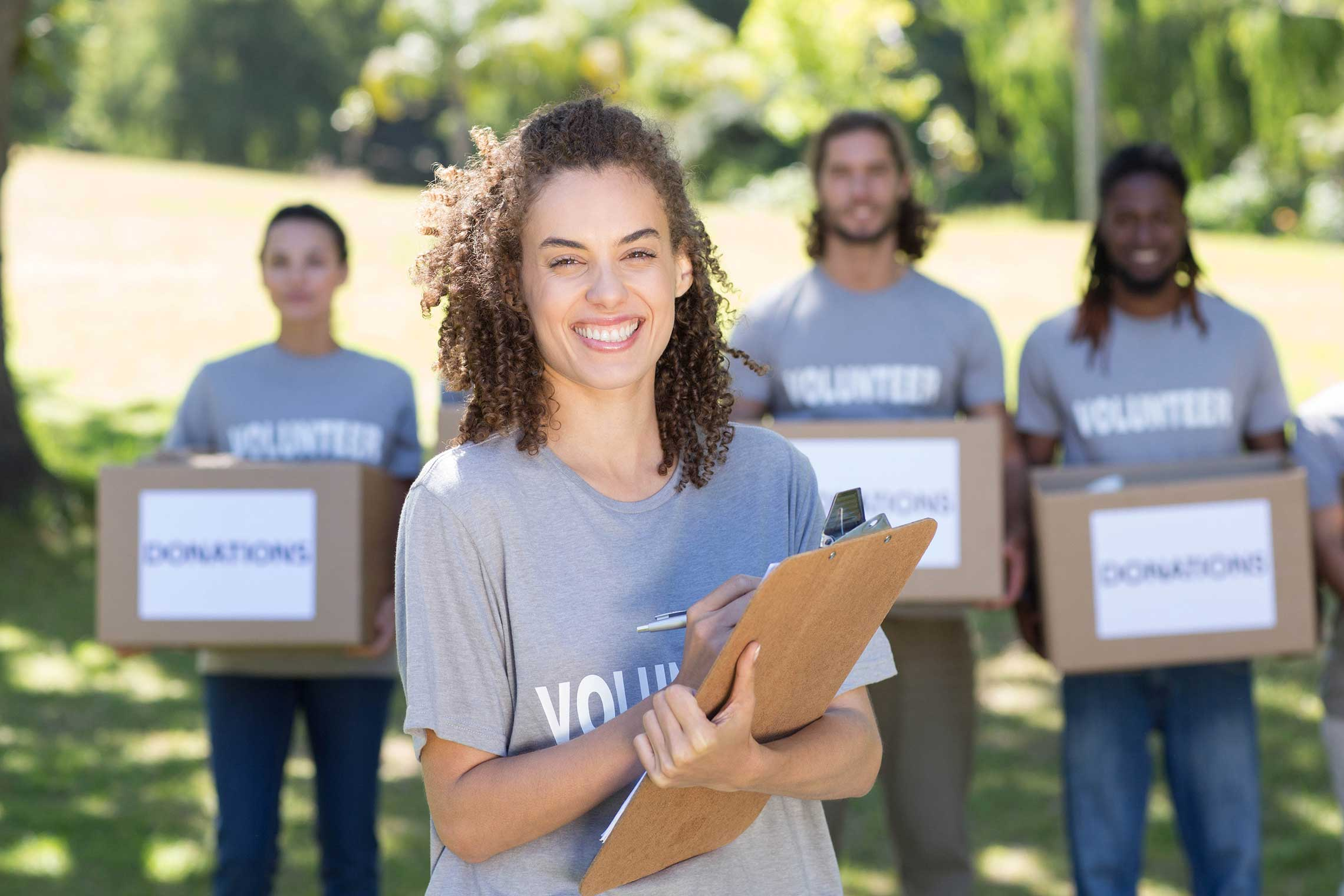 Volunteer Programs That Helps You Pay for College